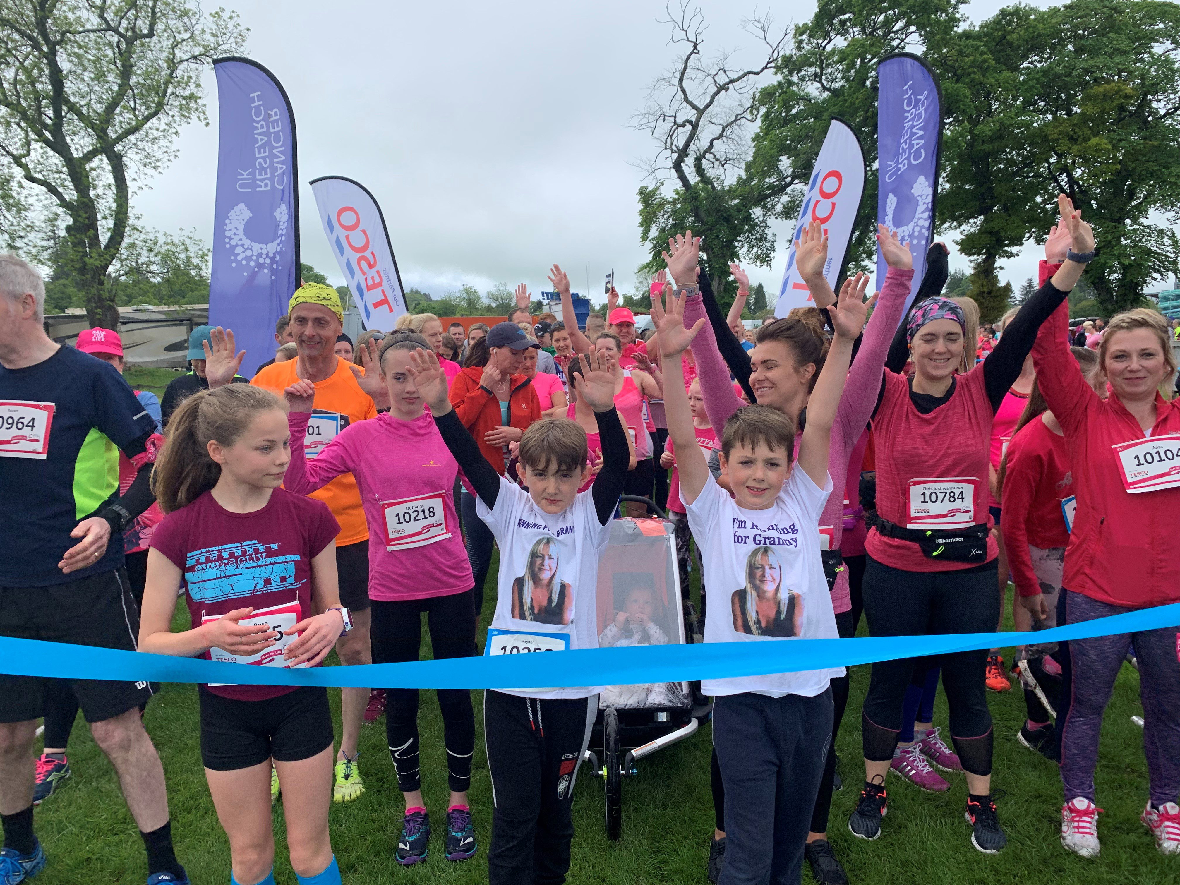 Race for Life 2019 Inverness participants at the start line